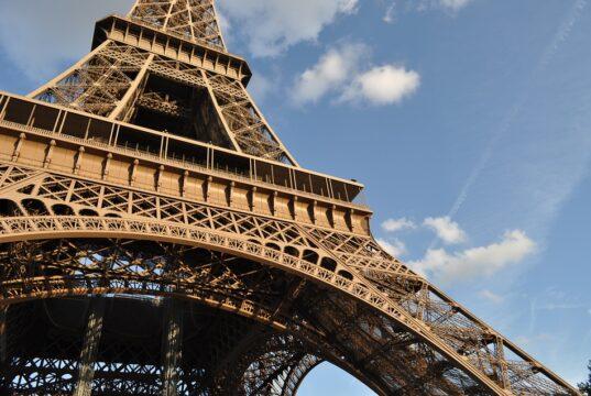 De Eiffeltoren in Parijs, Frankrijk.